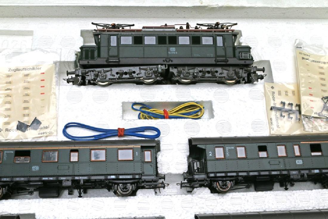 ROCO Austrian HO Train Set 4026 Engine with Pantograph - 3
