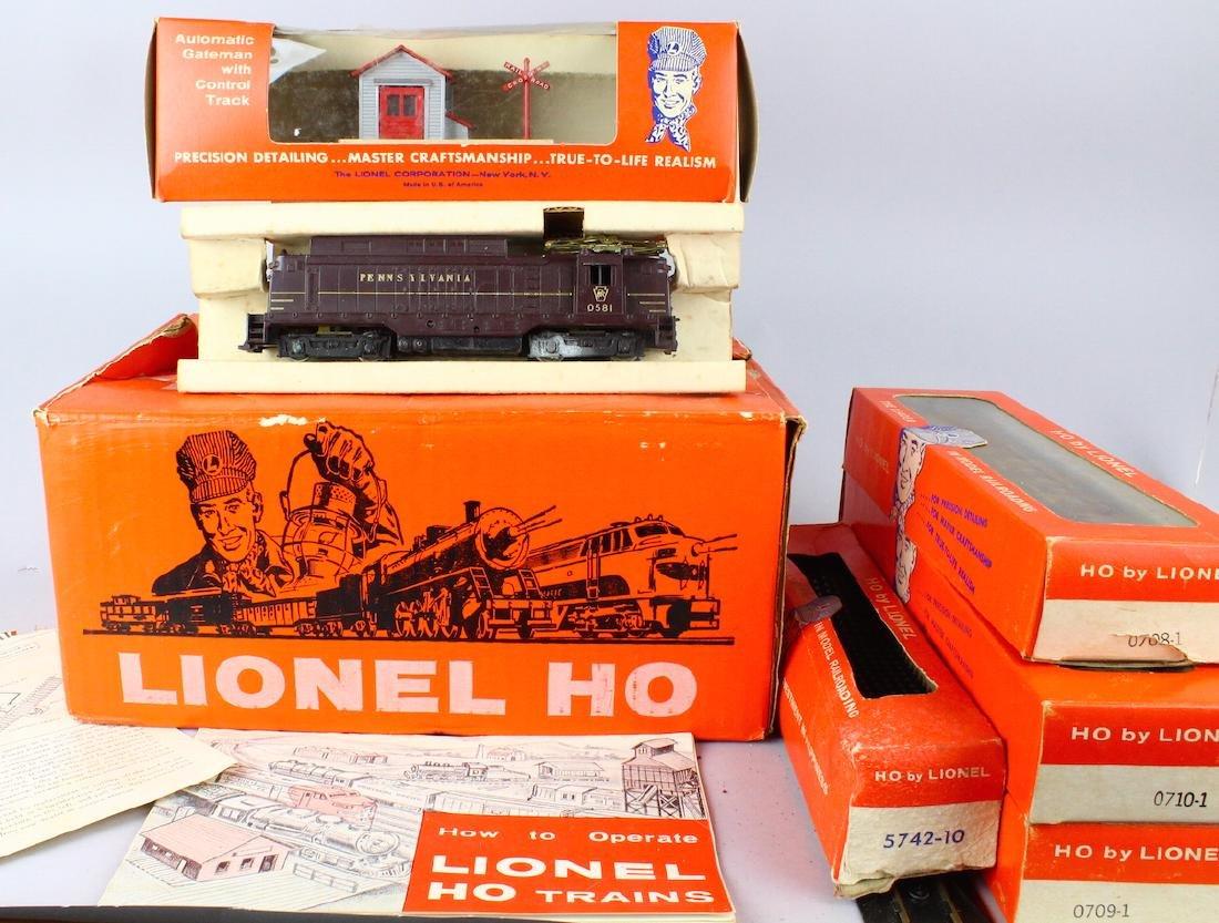 Lionel HO Train Set In Box - 3