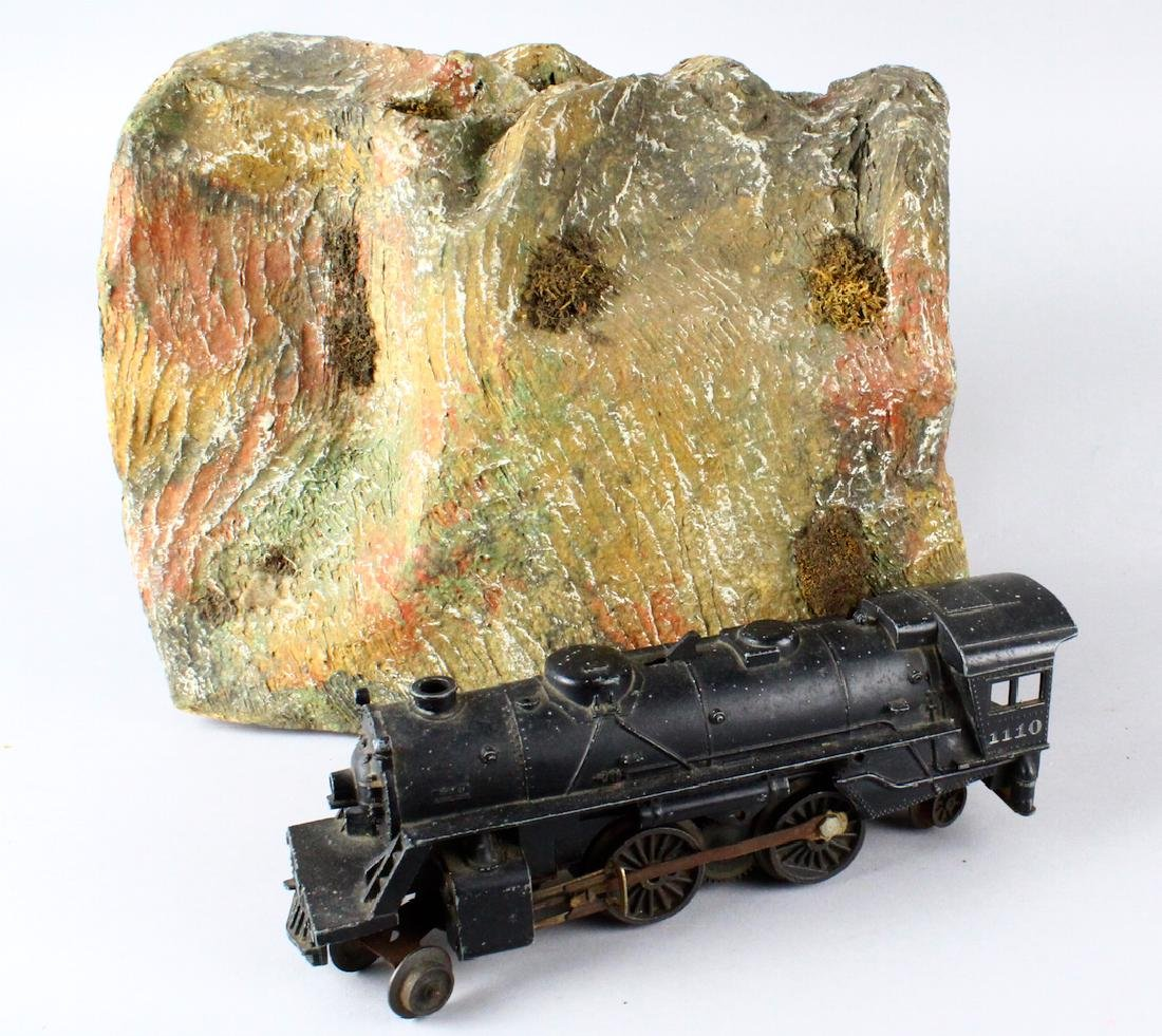 Lionel 1011 Engine and Mountain Tunnel - 2