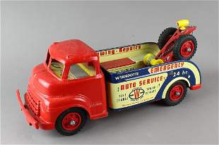 Wyandotte Auto Service Wrecker Tow Truck