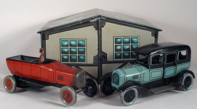 1: BING Garage with Open Tourer and Limousine 1920s
