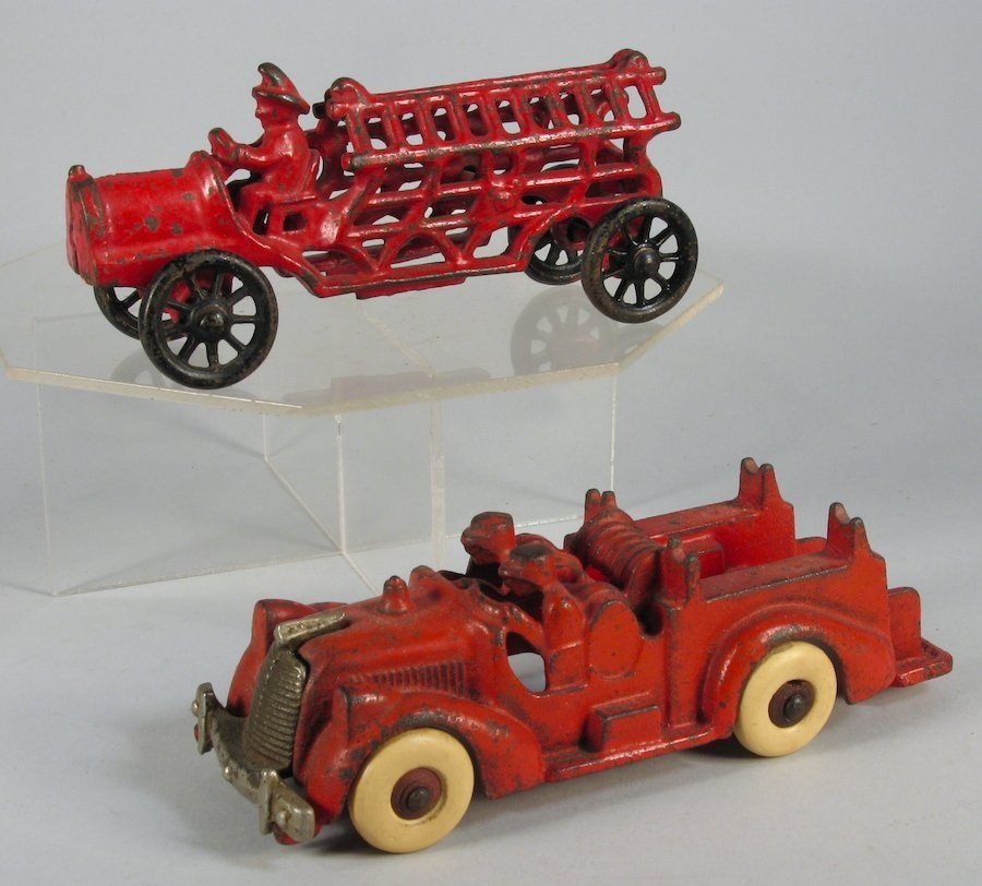 Hubley Pair of Cast Iron Fire Engines