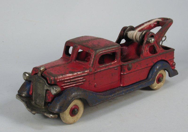 1930s Cast Iron Two Tone Wrecker Truck Champion?