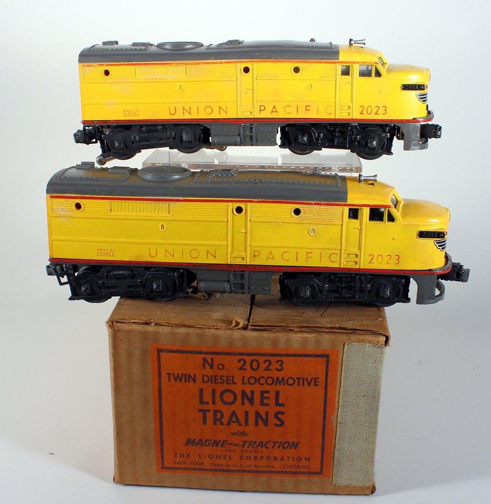 Lionel Trains Twin Diesel Union Pacific In Box