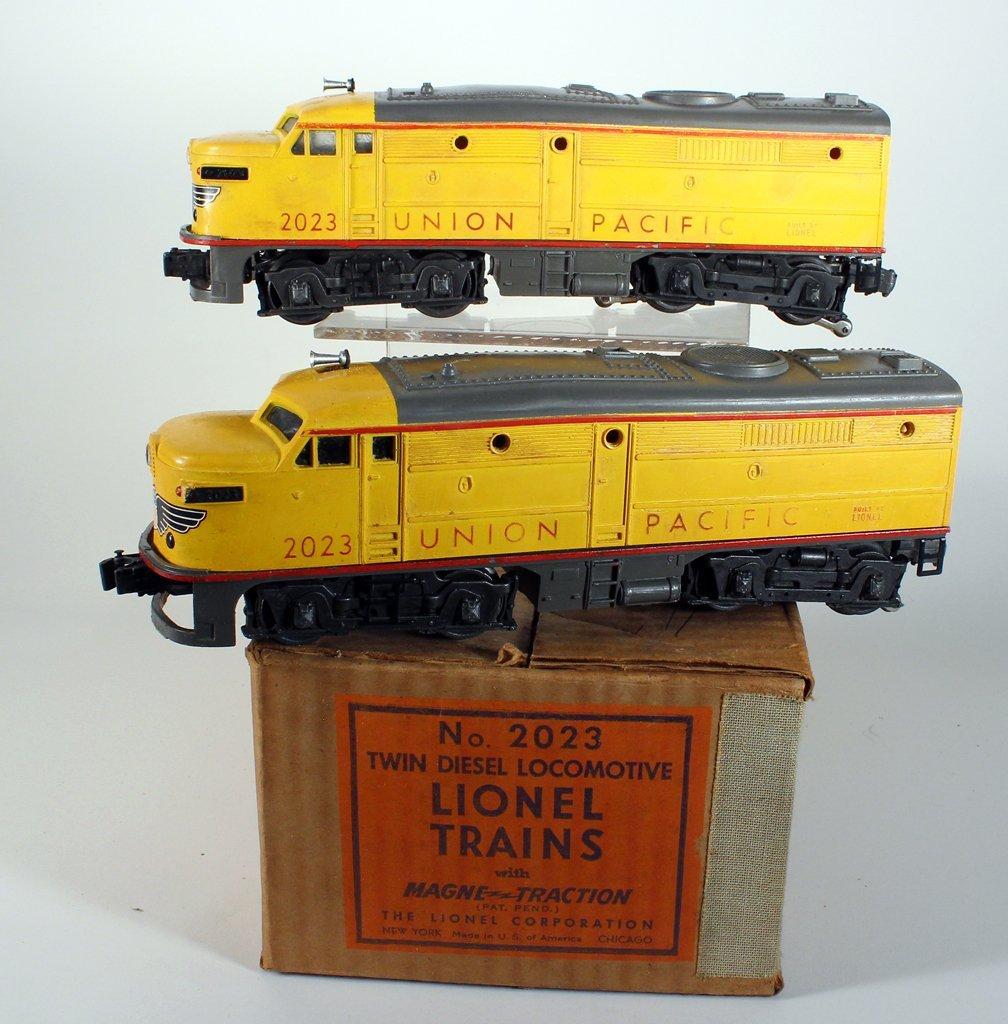 Lionel Trains Twin Diesel Union Pacific In Box - 2