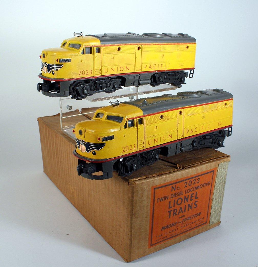 Lionel Trains Twin Diesel Union Pacific In Box - 3