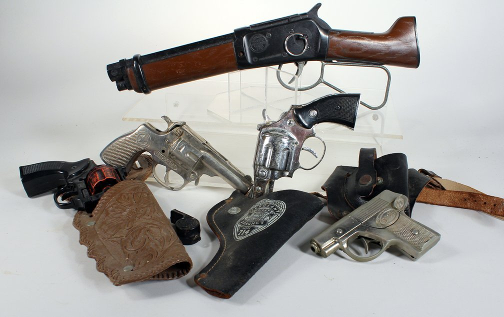 5 Cap Gun Pistols & Short Shotgun & Holsters