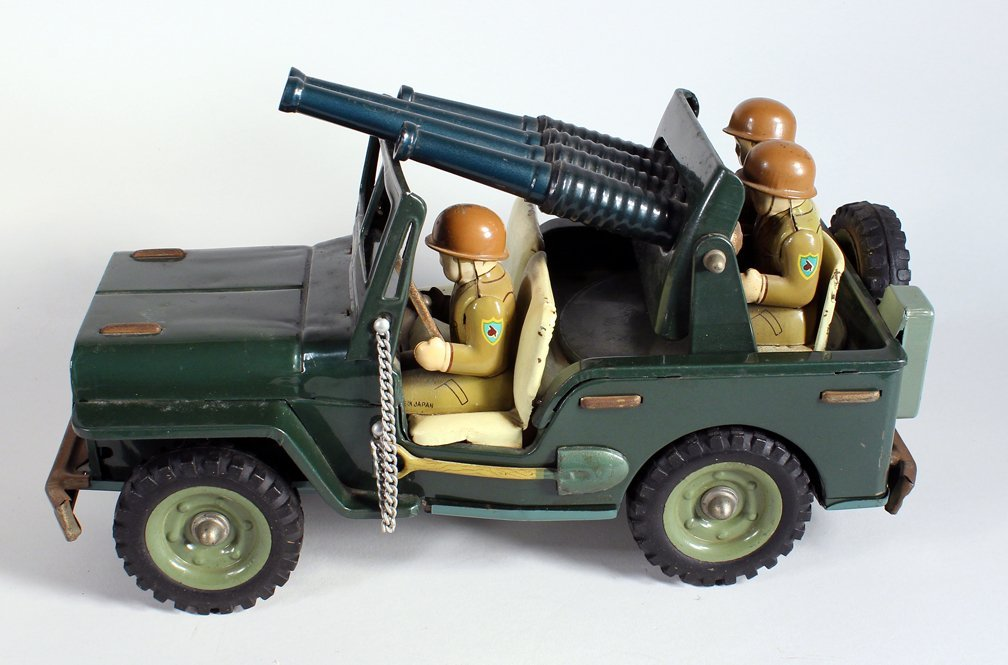 Japan Tin Anti-Aircraft Army Jeep With 3 Soldiers