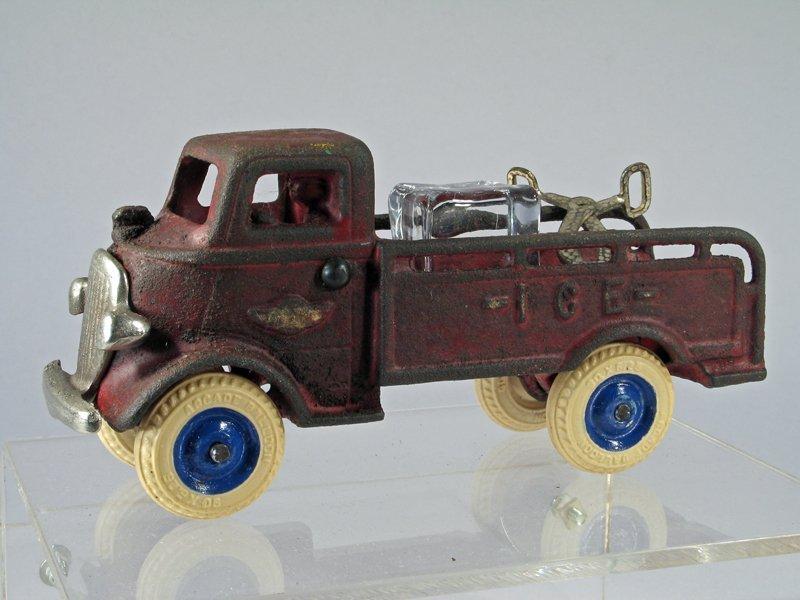 Arcade Ice Truck Cast Iron