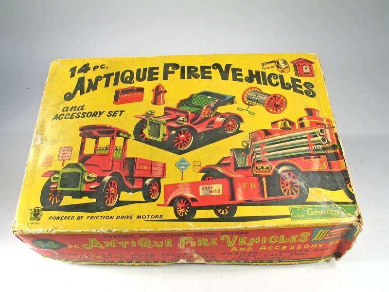 Cragston Antique Fire Engine Set In Box