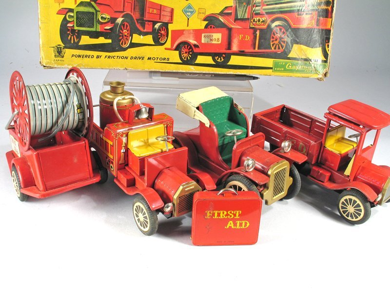 Cragston Antique Fire Engine Set In Box - 2