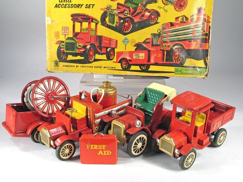 Cragston Antique Fire Engine Set In Box - 3