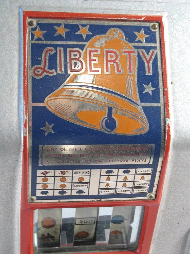Liberty 5 Cent Table Top Slot Trade Stimulator - 4