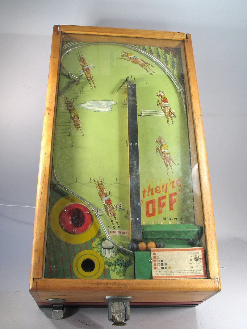 They\'re Off! Table Top Pin Ball Machine