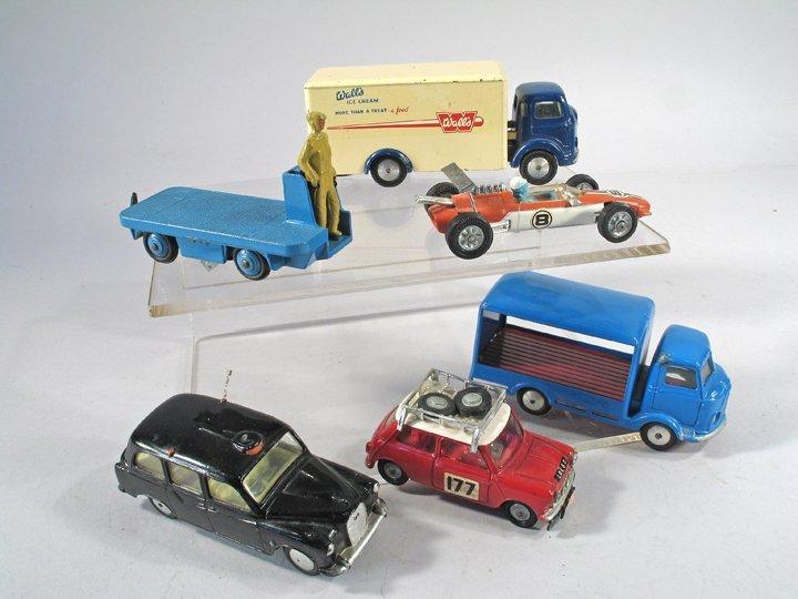 Corgi Car Lot England - 2
