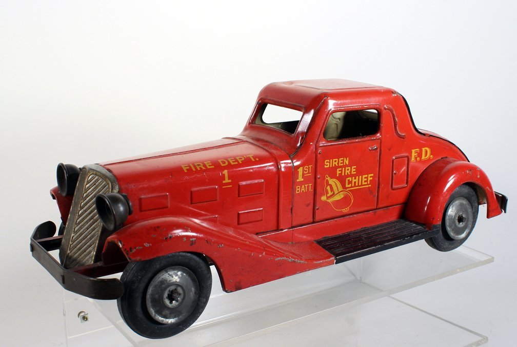 1930s Louis Marx Siren Fire Chief Pressed Steel Coupe