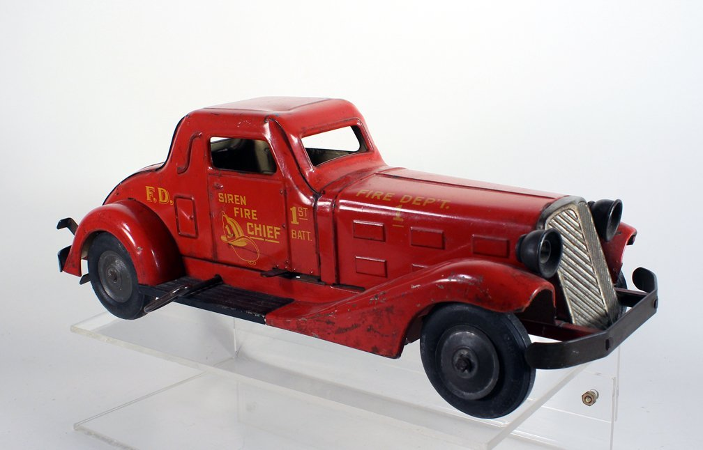 1930s Louis Marx Siren Fire Chief Pressed Steel Coupe - 2