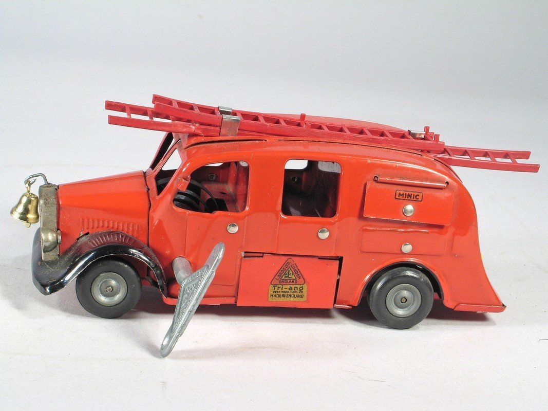 Tri-Ang Minic Large Fire Engine Wind Up
