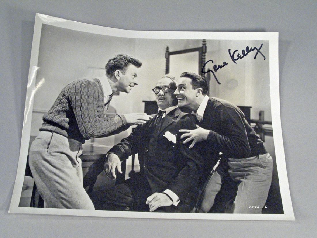 Gene Kelly Glossy Photo Movie Scene Autograph