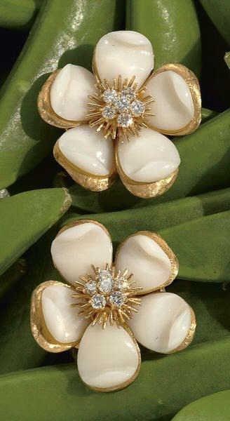 812: VAN CLEEF AND ARPELS, CORAL AND DIAMOND EARRINGS
