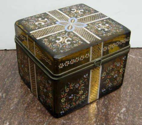 314: BOHEMIAN AMBER GLASS TRUNK FORM BOX