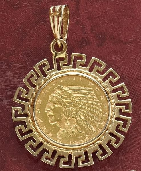 828: GOLD COIN PENDANT