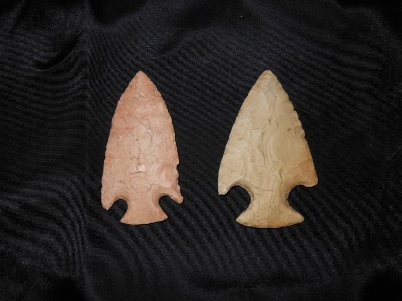 4019: TWO NATIVE AMERICAN CORNER NOTCHED SPEAR POINTS