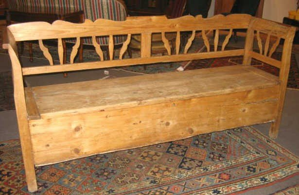 457: CONTINENTAL 19TH CENTURY PINE BENCH