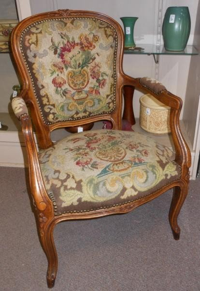 469: FRENCH PROVINCIAL STYLE FAUTEUIL