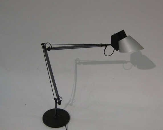 13: ITALIANO LUCE, ADJUSTABLE DESK LAMP.