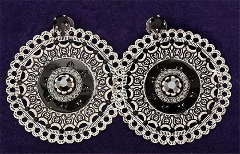 12: Fashion Dangling Disc Earrings