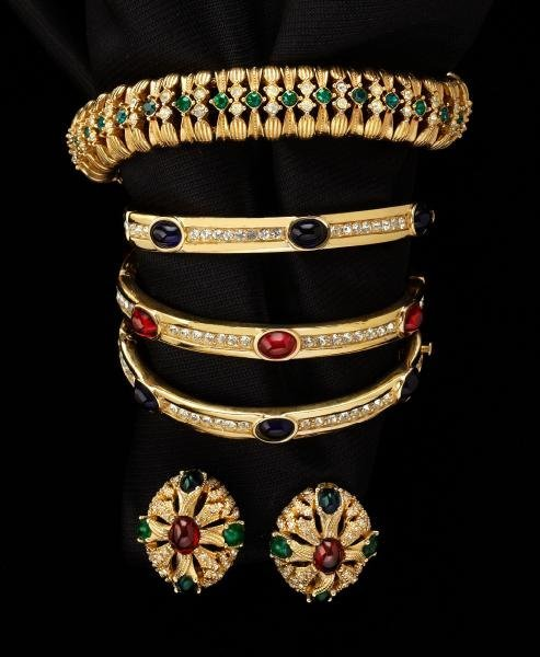 15: Ciner vintage jewelry including rhinestone and
