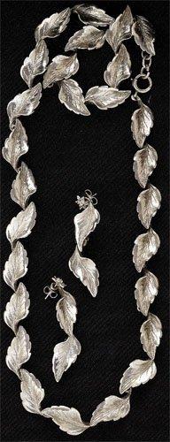 90: Silver Necklace and Earring Set