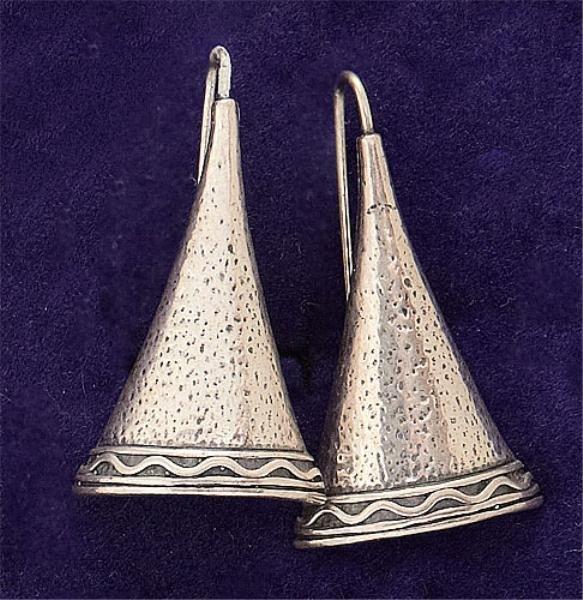 104: Sterling dangling earrings Didae