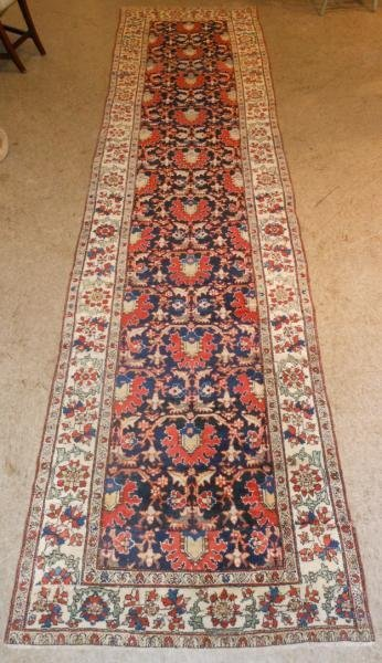 583: PERSIAN LONG RUG