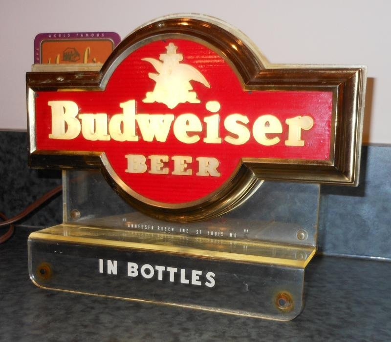 BUDWEISER COUNTER TOP BEER SIGN LIGHT