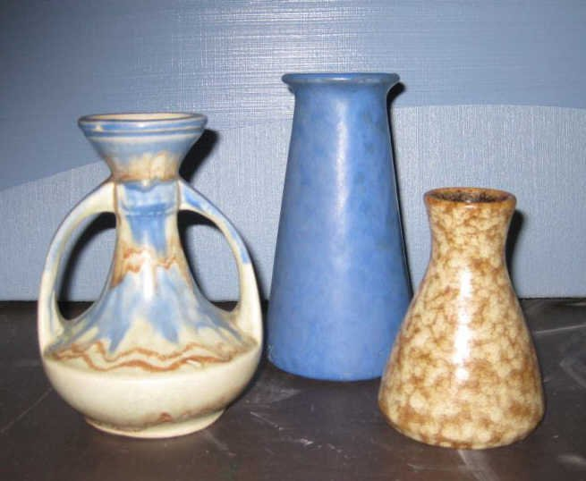 THREE ASSORTED POTTERY VASES: