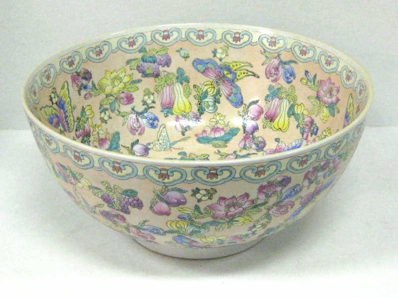 LARGE BOWL WITH BUTTERFLY AND PEACH MOTIFS