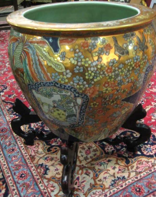 CHINESE PORCELAIN FISH BOWL ON STAND