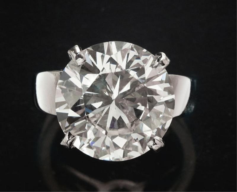 DIAMOND RING, 10.32CT.