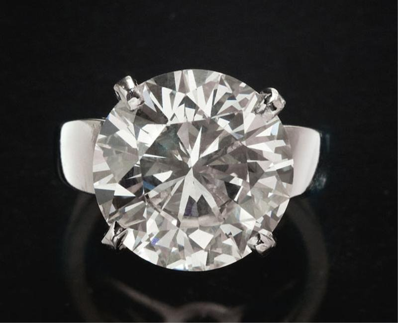 DIAMOND RING, 10.32CT.