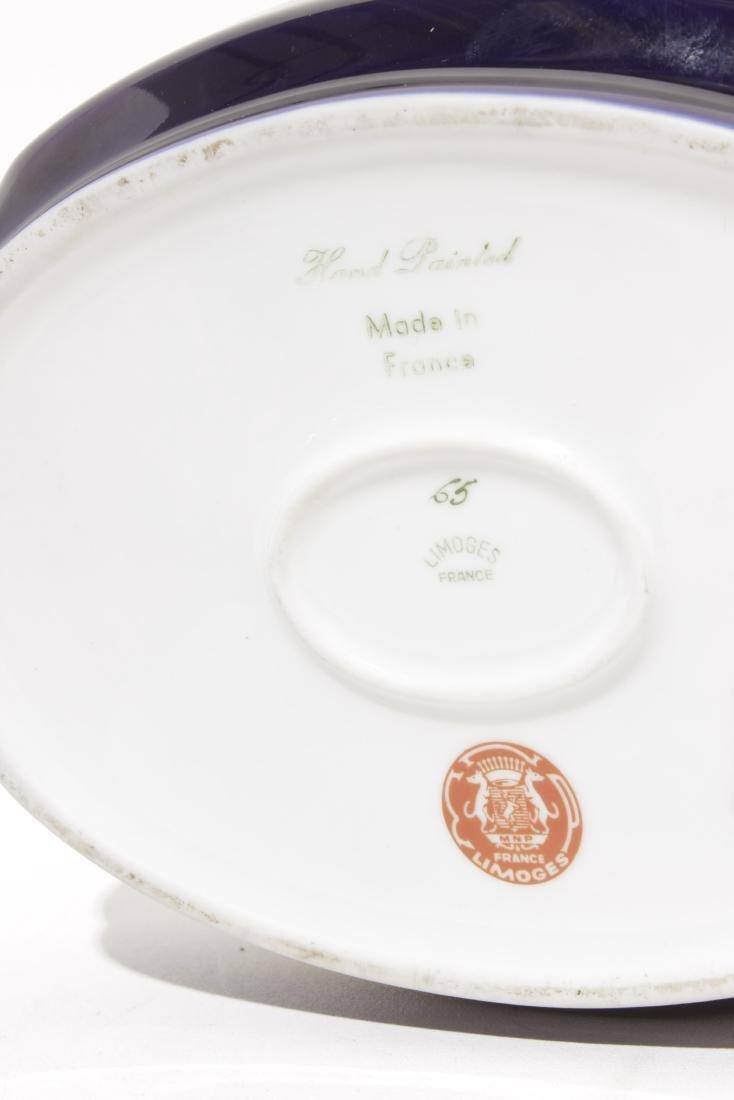 Two Cobalt Porcelain Boxes - 9