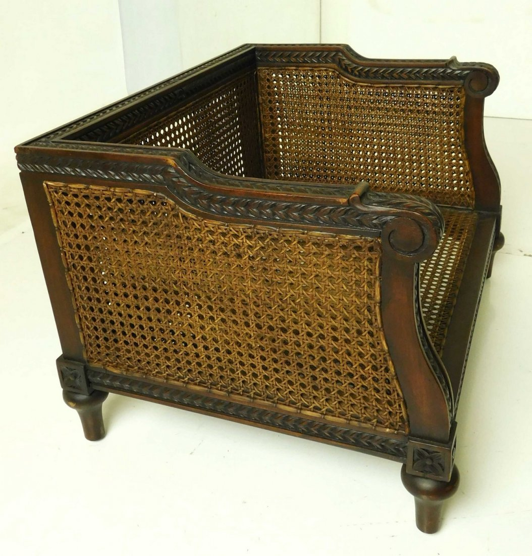 Louis XVI Style Dog Bed - 2