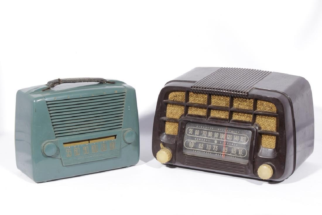 Lot of Two Vintage Radios