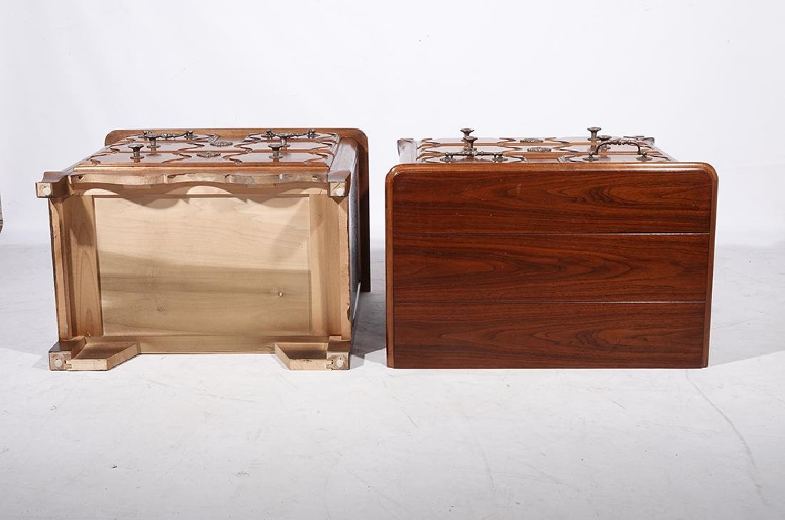 Pair of HENREDON Louis XV Style Bedside Chests - 3