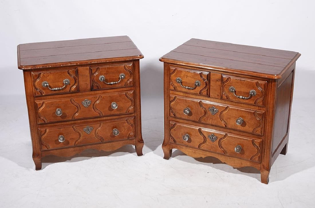 Pair of HENREDON Louis XV Style Bedside Chests - 8