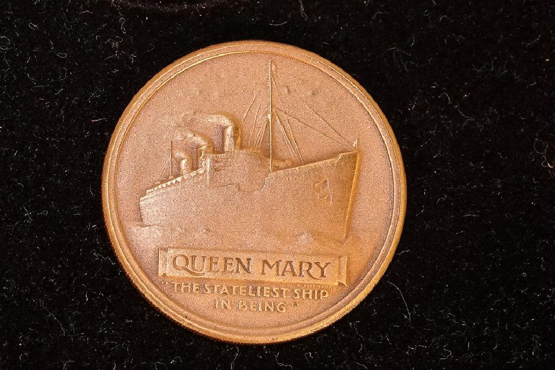 Two (2) QUEEN MARY Final Cruise Medals - 4