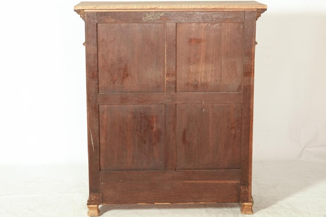 20th Renaissance Style Display Cabinet - 7