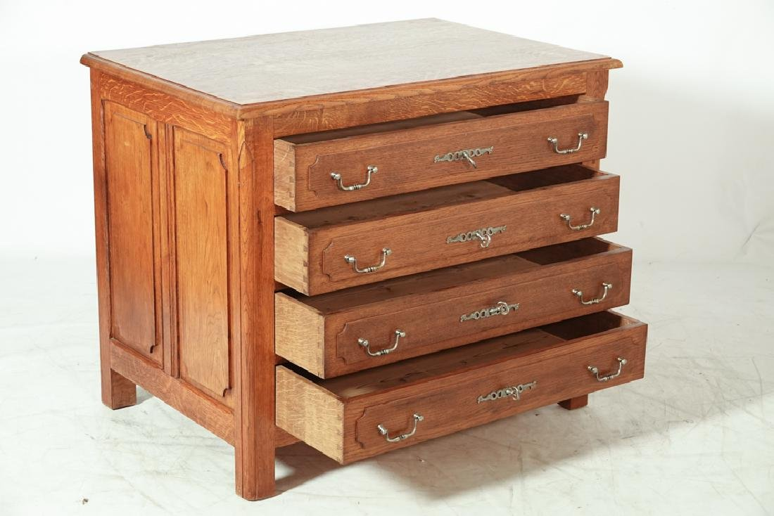French Oak Commode - 7