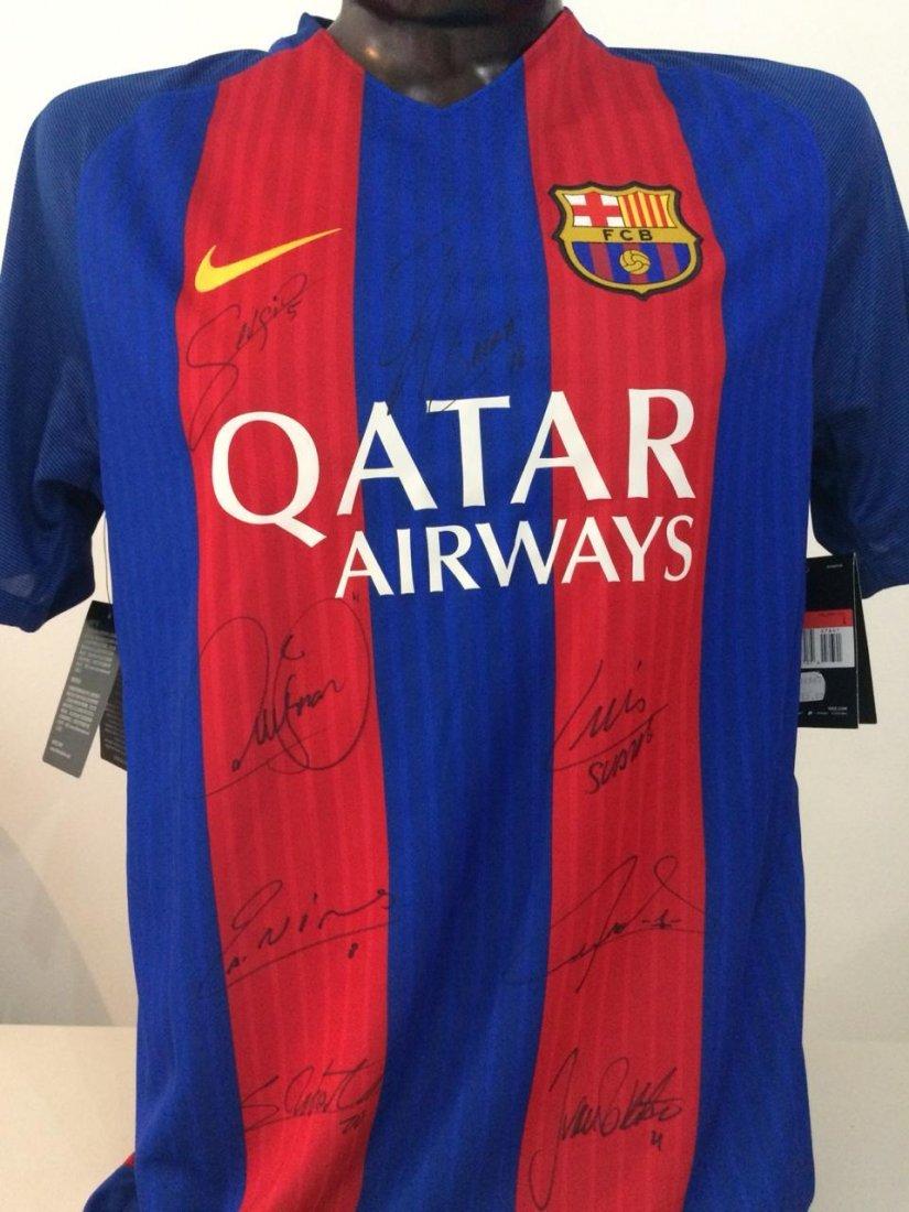 Lionel Messi #10 Barcelona Signed Jersey - 3